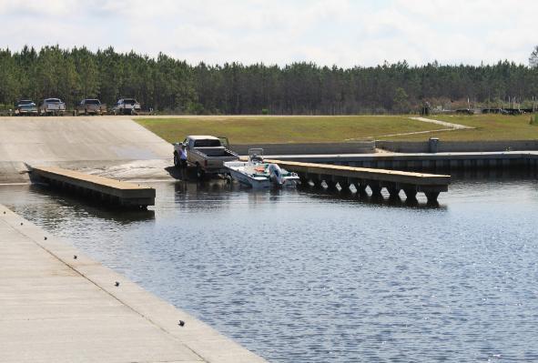 Seafood landing park boat ramp for Circle fishing boat